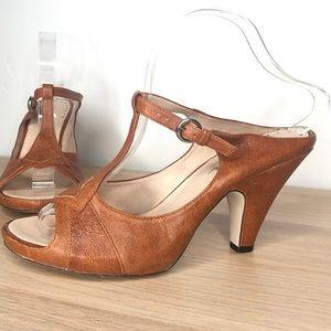 Antrhopologie Biviel Leather T-strap Heels 40